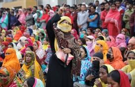Buruh Tekstil Bangladesh Protes Tuntut Kenaikan Upah