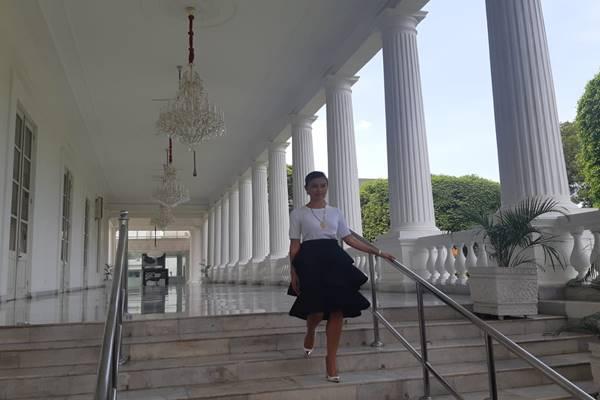 Agnez Mo atau Agnes Monica memberi keterangan pers usai bertemu Presiden Joko Widodo di Istana, Jumat (11/1/2019). JIBI/BISNIS - Yodie Herdiyan