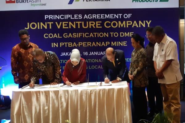 Penandatanganan Principles Agreement of Joint Venture Company Gasifikasi Batu Bara, Rabu (16/1/2019). - Bisnis/Dara Aziliya
