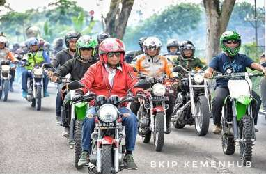 Kampanye Keselamatan Berkendara, Menhub Budi Karya Jajal Yamaha RX-King