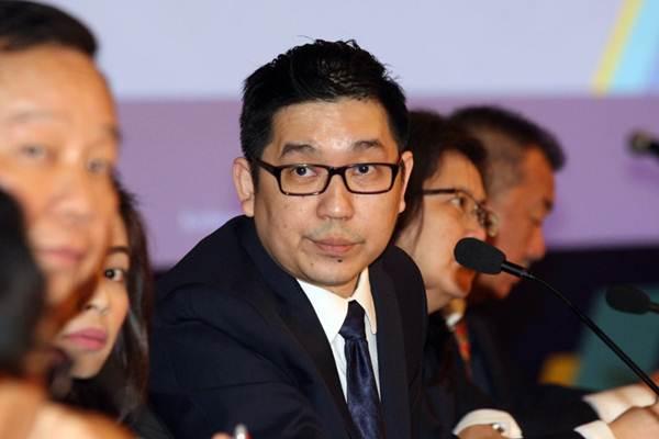 Presiden Direktur PT Acset Indonusa Tbk Jeffrey Gunadi didampingi direksi lainnya memberikan penjelasan mengenai kinerja perusahaan seusai rapat umum pemegang saham tahunan dan luar biasa di Jakarta, Rabu (11/4/2018). - JIBI/Dedi Gunawan