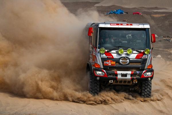 Hino Team Sugawara Berhasil Juara Dakar Rally 2019 di Peru.  - HINO