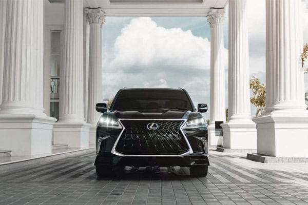Lexus LX 570 Sport.  - Lexus