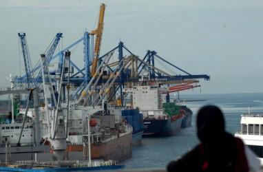 Pelayaran Kolaka-Bajoe, Bus Sempat Terbalik Saat Ombak Hantam Kapal