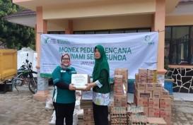 Monex Serahkan Bantuan untuk Korban Tsunami Selat Sunda