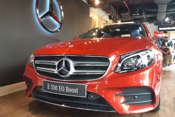 Mercedes-Benz E350 EQ Boost.  - BISNIS.COM