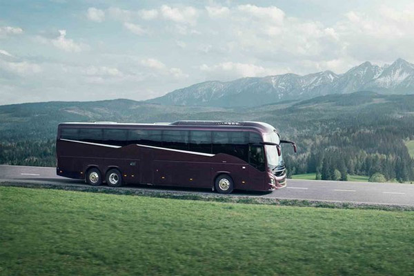 Bus jarak jauh Volvo 9000.  - VOLVO