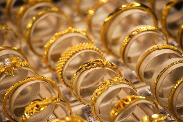 Ilustrasi-Perhiasan emas. - Bloomberg/Billy H.C. Kwok