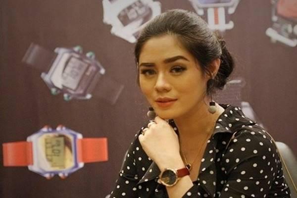 """Aktris pemeran tokoh Uni di film """"Eiffel I'm in Love"""", Saphira Indah. - Instagram @saphira_indah"""