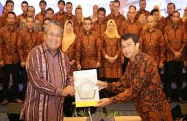 Lantik Pengurus ISEI Makassar, Perry Warjiyo Tekankan Sinergi Unsur Daerah Dukung Perekonomian