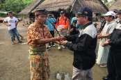 UNS Serahkan Hunian Sementara Korban Gempa di Lombok