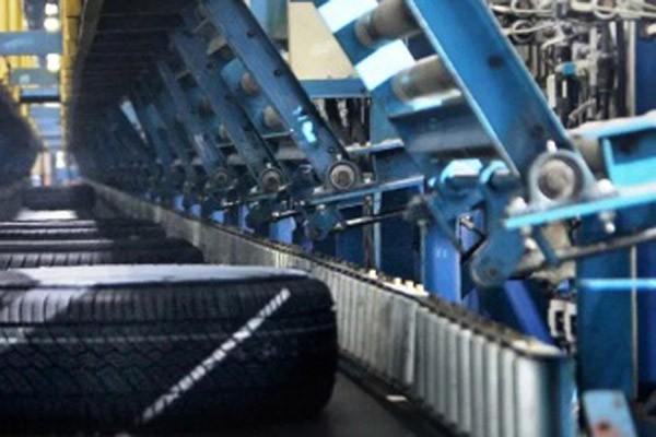 Aktivitas produksi ban di salah satu pabrik milik PT Multistrada Arah Sarana Tbk. (MASA). - MultiStrada.co.id