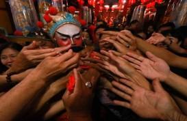 Makna dan Legenda Pemberian Angpao Saat Perayaan Imlek