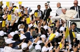 Dihadiri 135.000 Orang, Paus Fransiskus Pimpin Misa Terbesar di Semenanjung Arab
