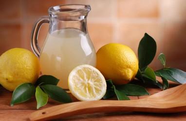 6 Manfaat Minum Air Lemon bagi Tubuh