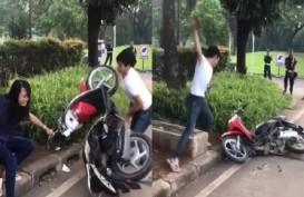 Motornya Dirusak, Grab Bakal Gratiskan Perjalanan Perempuan dalam Video Viral