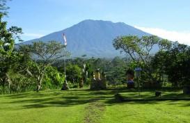 Jumat Dini Hari Gunung Agung Kembali Erupsi