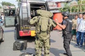 Koper Diduga Berisi Bom Diamankan dari Jalan Otista…