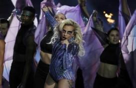 """GRAMMY AWARDS 2019: """"Shallow"""" Menang, Lady Gaga Menangis"""