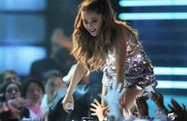 Cara Unik Ariana Grande Rayakan Kemenangan Grammy