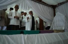 Sandi Berziarah ke Makam Raja Kesultanan Mataram di Tegal