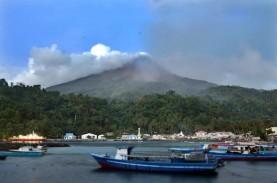 Gunung Karangetang Alirkan Lava dan Awan Panas Guguran