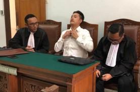 Ketua Majelis Hakim Sakit, Pembacaan Vonis Terdakwa…