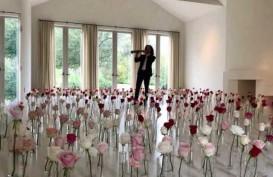 Kenny G Mainkan Saksofon Eksklusif Untuk Kim Kardashian saat Valentine, Begini Ceritanya!