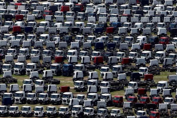 Area truk New Ford tampak di pabrik Ford di Sao Bernardo do Campo, Brasil, 12 February2015.  - REUTERS