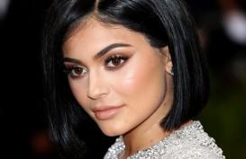 Kylie Jenner Bicara Soal Rumor Operasi Plastik