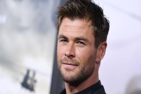 Chris Hemsworth - Istimewa