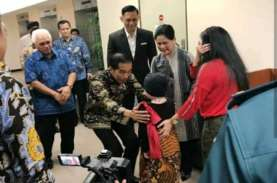 Jokowi Jenguk Anak Denada di Singapura Sambil Bawa…