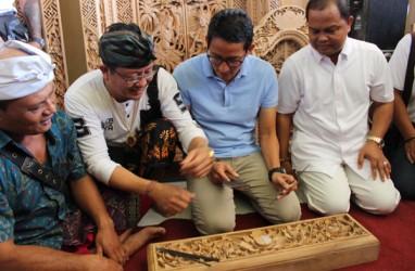 Jaring Suara di Bali, Sandiaga Uno Datangi Pengrajin Ukir