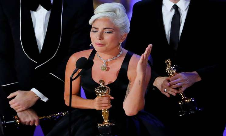 Lady Gaga meraih penghargaab Oscar untuk kategori the Best Original Song atas lagu Shallow dari AStar is Born dalam 91st Academy Awards yang digelar di Los Angeles California, 24 Februari 2019. - Reuters