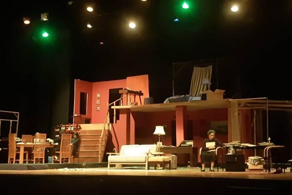 Teater Pandora  - BISNIS/Gloria Fransisca Katharina Lawi