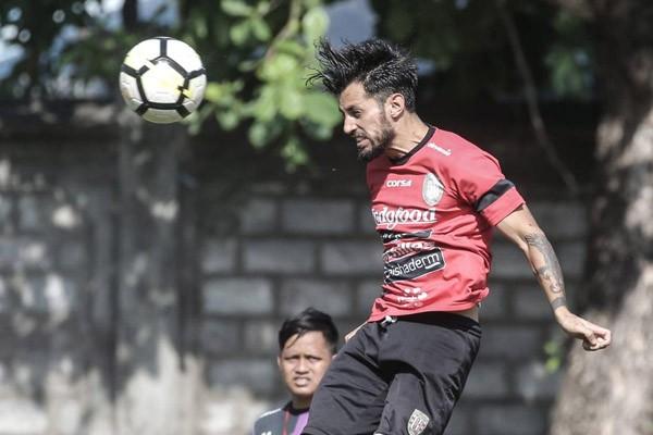 Penyerang Bali United Stefano Lilipaly - BaliUtd.com