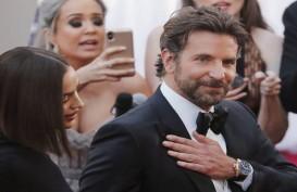 Irina Shayk Santai Lihat Bradley Cooper-Lady Gaga Mesra