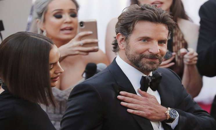 Bradley Cooper dan Irina Shayk menghadiri Academy Awards di Los Angeles, California, Amerika, 24 Februari 2019. - Reuters