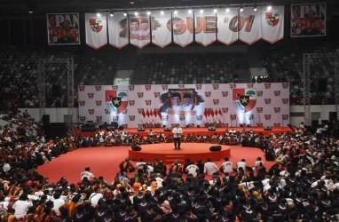 Jokowi & Pramono Anung Lesehan Dengarkan Pidato Ketum Pemuda Pancasila