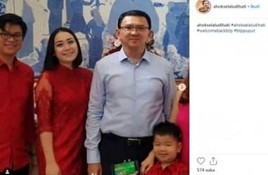 Bergaun Merah ala Putri China, Puput Nastiti Tampil Serasi Bersama Ahok
