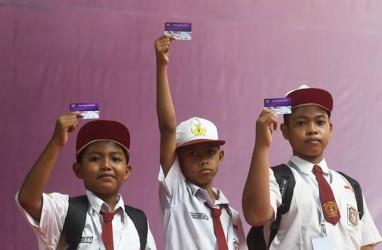 Presiden Jokowi Larang Siswa Pakai Dana KIP Untuk Beli HP