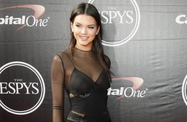 5 Berita Populer Lifestyle, Kendall Jenner Hobi Pelihara Ular dan Syahrini Dapat Kecaman Terkait Pernyataan Ini
