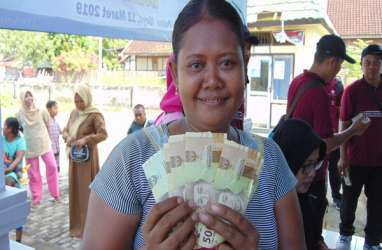 Wisatawan Gunakan Valas di Pulau Moyo, Money Changer Sulit Diakses