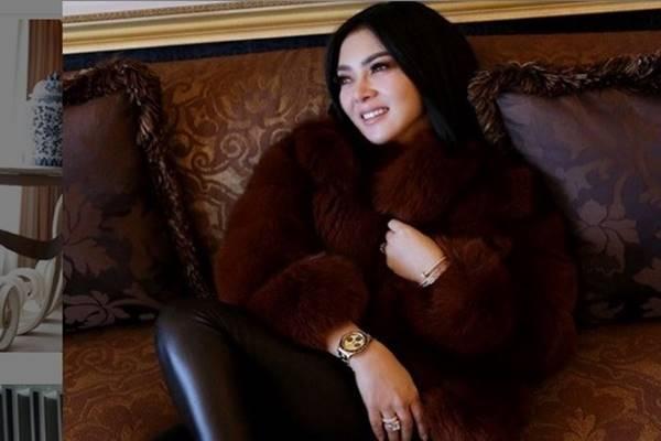 Penyanyi Syahrini - Instagram @princessyahrini