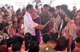 Serahkan 2.000 KIP di Toba Samosir, Jokowi : KIP Hanya untuk Keperluan Pendidikan