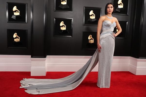 Dua Lipa di acara Grammy Awards, 10 Februari 2019 - Reuters