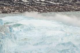 Badai Matahari Rontokkan Lapisan Inti Es di Greenland