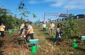 Tol Tangerang-Merak Kembali Ditanami Pohon