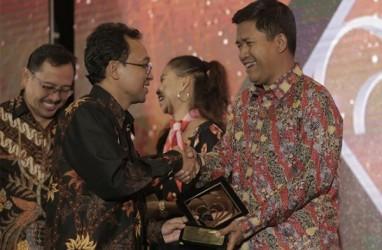 Bisnis Indonesia Terima Award Dari BGR Logistics