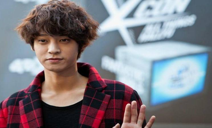 Jung Joon-young - Istimewa